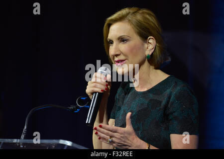 San Antonio, Texas, USA. 27th Sep, 2015. Republican Presidential candidate Carly Fiorina speaks to the National - Stock Photo