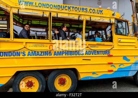 London Duck Tours Bus, Pall Mall, London, England - Stock Photo