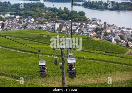 Rüdesheim, favorite tourist destination in the Upper middle Rhine valley, wine village, chairlift through the vineyards, - Stock Photo