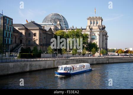 Reichstag, Spree, Berlin. - Stock Photo