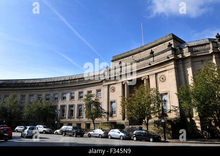 Bolton Magistrates Court, Le Mans Crescent, Bolton. Picture by Paul Heyes, Tuesday September 29, 2015. - Stock Photo