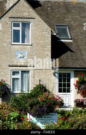 Lockkeepers cottage at Pinkhill Lock, River Thames, Oxfordshire, England, UK - Stock Photo