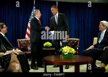 New York, New York, USA. 29th Sep, 2015. U.S. President Barack Obama greets Cuban President Raul Castro before the start of their bilateral meeting at the United Nations September 29, 2015 in New York, N.Y.