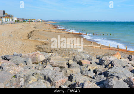 Looking along the south coast of England from Splash Point, looking east, in Worthing, West Sussex, England, UK. - Stock Photo