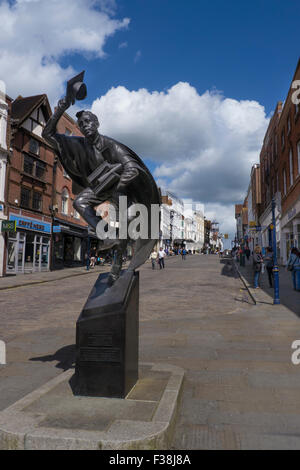 'The Surrey Scholar'. Statue in Guildford High Street was unveiled in 2002. Guildford has a famous old Royal Grammar - Stock Photo