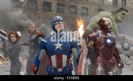 THE AVENGERS 2012 Marvel film with from left: Scarlett Johansson (Black Widow), Chris Hemsworth (Thor) , Chris Evans - Stock Photo
