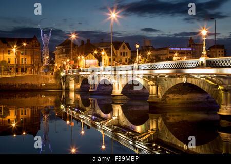 Beacon of Hope statue, Lagan Bridge and town of Belfast, County Antrim, Northern Ireland, UK - Stock Photo
