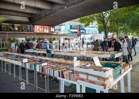 Secondhand bookstall on London's southbank under Waterloo bridge. - Stock Photo