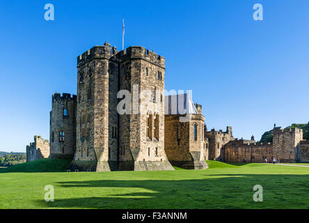 Outer Bailey looking towards State Rooms, Alnwick Castle (location of Hogwarts School in Harry Potter films), Northumberland, - Stock Photo