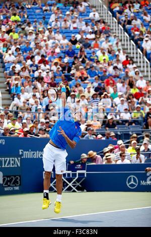 New York, USA. 31st Aug, 2015. Kei Nishikori (JPN) Tennis : Kei Nishikori of Japan serves during the men's singles - Stock Photo
