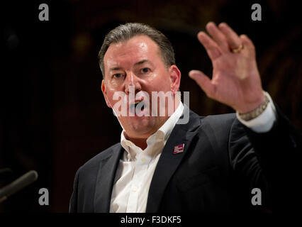 Manchester, UK. 5th October 2015. Terry Pullinger, Deputy General Secretary (Postal) of the Communication Workers - Stock Photo