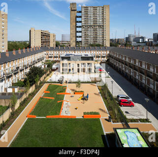 View of landscape architecture with Balfron Tower in background. Brownfield Estate, London, United Kingdom. Architect: - Stock Photo