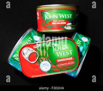 UK. 6th October, 2015. Britain's biggest supplier of tinned tuna has quietly abandoned a pledge to use only sustainable - Stock Photo