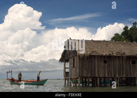 Hut in the Ream National Park. Situated 13km east of Sihanoukville, Ream National Park is a great place to view - Stock Photo