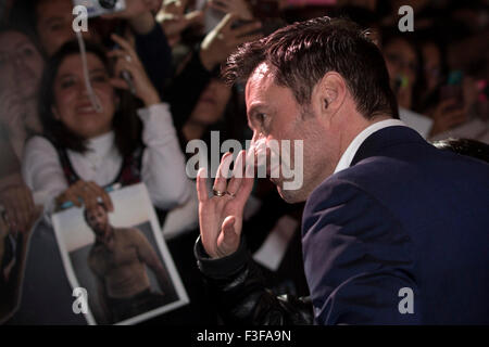 Mexico City, Mexico. 6th Oct, 2015. Australian actor Hugh Jackman greets during the red carpet of the movie 'Pan', - Stock Photo