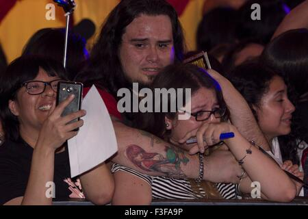 Mexico City, Mexico. 6th Oct, 2015. Fans react during the red carpet of the movie 'Pan', in Mexico City, capital - Stock Photo