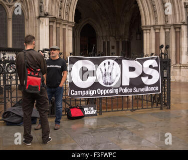 Royal Courts of Justice, London, UK. 7th October 2015. Supporters and those affected by undercover policing gather - Stock Photo