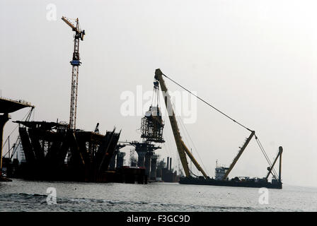 Asian Hercules floating crane capacity Hercules floating metric tones erecting Bandra Worli sea Bombay Mumbai Maharashtra - Stock Photo