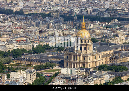 L'Hotel national des Invalides. The complex of buildings contains museums and monuments relating to the mi - Stock Photo