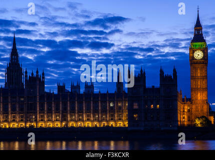A view across the River Thames of the Houses of Parliament in London. - Stock Photo