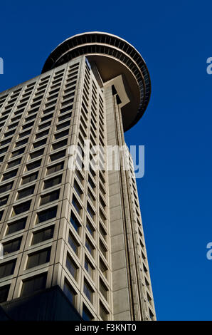 Harbour centre building and revolving restaurant set for Building a lookout tower