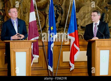 Prague, Czech Republic. 9th Oct, 2015. Minister for Foreign Affairs of Czech Republic Lubomir Zaoralek, right, meets - Stock Photo