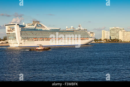 Fort lauderdale florida ft caribbean mardi gras junior - Allure of the seas fort lauderdale port address ...