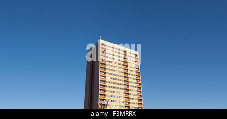 Generic high-rise housing in the UK, with copy space. - Stock Photo