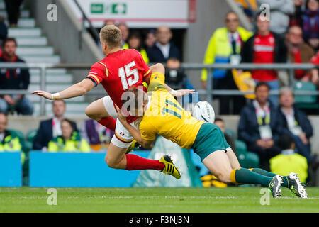 Twickenham Stadium, London, UK. 10th Oct, 2015. Rugby World Cup. Australia v Wales. Gareth Anscombe of Wales is - Stock Photo