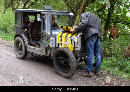 New Radnor, Powys, Wales - Saturday 10th October 2015 - The Vintage Sports Car Club ( VSCC ) hill climb trial challenge - Stock Photo