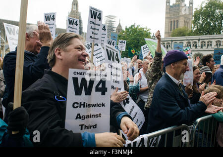 London, UK. 10th Oct, 2015. Protesters gather in Parliament Square, London. They are protesting against the proposal - Stock Photo