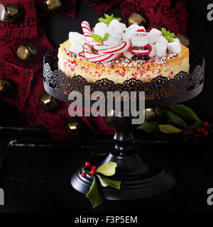Cheesecake New York festive decorated for Christmas - Stock Photo