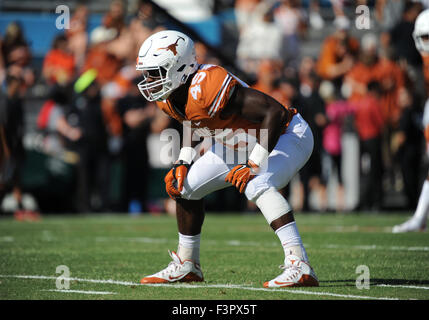 October 10, 2015: Texas Longhorns linebacker Anthony Wheeler #45 in the NCAA Red River Showdown Football game between - Stock Photo