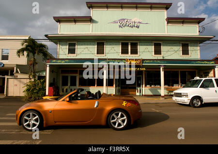 Kohala Bamboo Restaurant and Bar in Hawi. Nisan 370Z. Hawi is the most northern town. Wooden houses painted in bold - Stock Photo