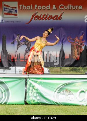 Traditional music thailand thai dancing costume culture for Angel thai cuisine riverside