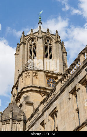 The Tom Tower at the Christ Church College, Oxford Oxfordshire England United Kingdom UK - Stock Photo