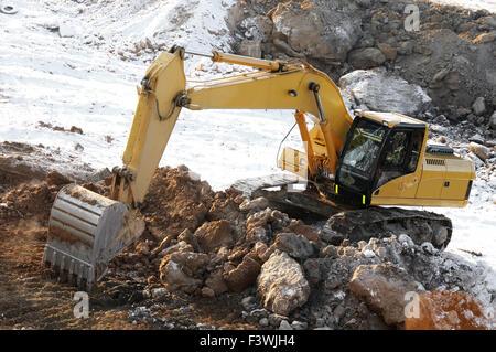 loader excavator in open cast - Stock Photo