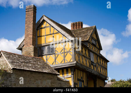 UK, England, Shropshire, Craven Arms, Stokesay Castle, gatehouse - Stock Photo