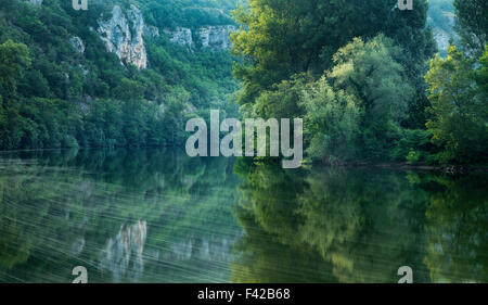 the River Lot at Vers, Quercy, France - Stock Photo