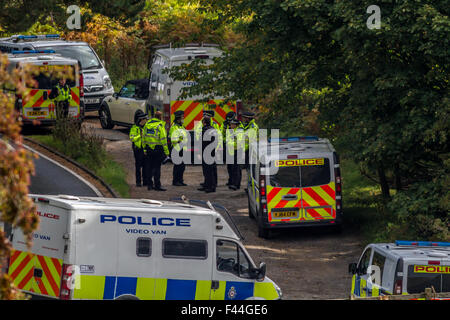 Police being briefed about an incident at Burley Woodhead, UK - Stock Photo