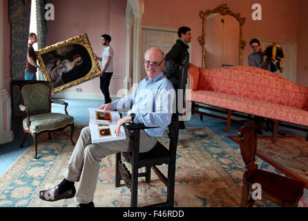 ... James Ou0027Halloran Of Adamu0027s Fine Art Auction House Overseeing The  Country Collections Sale At