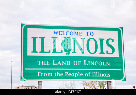 Welcome to Illinois sign - Stock Photo