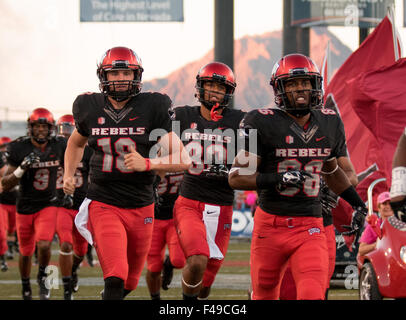 Las Vegas, NV, USA. 10th Oct, 2015. UNLV Rebels (18) Dalton Sneed and (86) Justin Brown run onto the field prior - Stock Photo