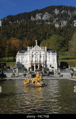 Linderhof Palace in autumn, castle with water parterre, fountain, Upper Bavaria, Bavaria, Germany - Stock Photo