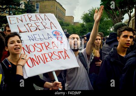 Rome 16 October 2015  A hundred students protested in Piazzale Aldo Moro, opposite the University La Sapienza, the - Stock Photo