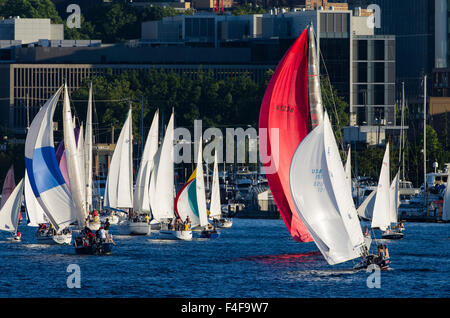 USA, Washington State, Seattle. Sailboats on Lake Union in Duck Dodge Race. - Stock Photo