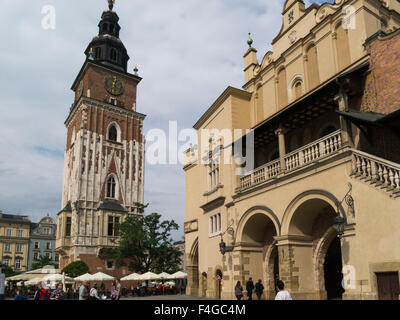 Town Hall Tower (Wieża ratuszowa) Cloth Hall (Sukiennice) Rynek Glowny Krakow Old Town Poland 13thc main medieval - Stock Photo