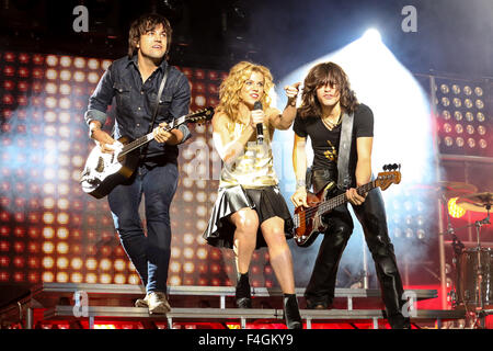 Music artist THE BAND PERRY bring their 2013 Summer Tour to Walnut Creek in Raleigh, NC.  The Band Perry, an American - Stock Photo