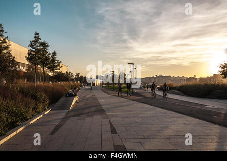 Moscow, Russia - September 25, 2015:  City artistic park Muzeon. Part of park on the embankment Moscow of the river. - Stock Photo
