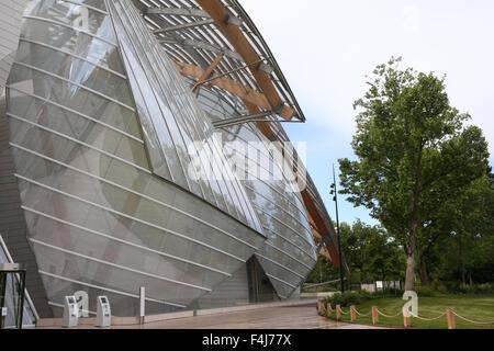 Louis Vuitton Foundation (Fondation Louis-Vuitton), Art Museum, Architect Frank Gehry, Paris, France, Europe - Stock Photo